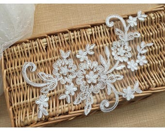 1 Pair Bridal Lace Applique DIY Trim Appliques in Off White for   Weddings, Sashes, Veils, Headpieces, WL1782
