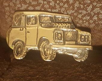 Landrover series III solid bronze pin badge