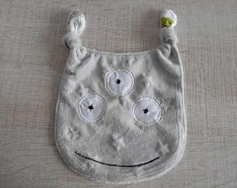 Doudou plat petit monstre en coton et minky