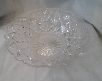 Pressed Glass vintage - fruit bowl in clear glass