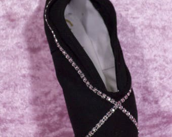 Black slipper Kit in a real Ballet shoe.