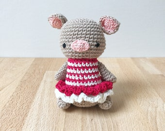PIG crochet amigurumi, girl pig wearing a dress, crochet pig, amigurumi pig, gift for kids, gift for her, nursery decoration, baby gift