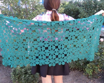 Knitted stole (shawl, scarf), a smart accessory