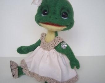 Felted Frog needle wool animal toys