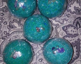 Earth's Treasures Crystal Surprise Bath Bombs