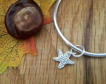 Silver Starfish bangle, Chunky starfish bangle, Chunky bangle with Starfish charm, Handmade starfish charm, Starfish jewellery, size 7.25'