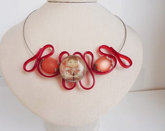 beige necklace pink beads and cabochon
