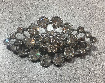 Oval Shaped Rhinestone Brooch