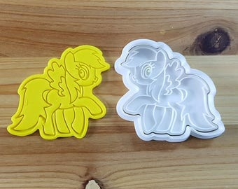 My Little Pony - Rainbow Dash Cookie Cutter and Stamp