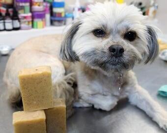 Vegetable soap for Pets / Soap Dog / Soap Cat / Soap for Animals / Natural soap for Pets / Handicraft / Vegetable / +/- 85 gr