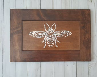 Bee wood sign
