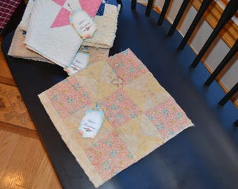 farmhouse, rustic, primitive, country, cottage chic, shabby chic, vintage 1940's feed sack craft quilt cutter piece