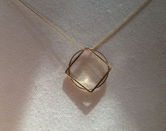 Squaring the Circle Necklace