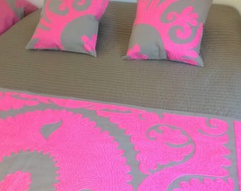 Pink bed set Bed runner + two pillow covers