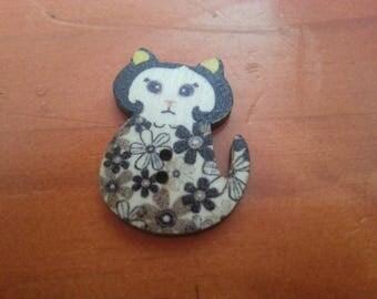 Multicolor cat button