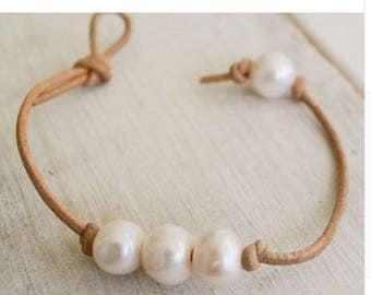 Pearl Bracelet, Leather Bracelet, Wedding gift, Cheap Jewelry, Custom Jewelry