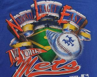 Vintage Mets shirt.