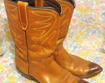 Women's US size 7 N all leather vintage cowboy boots LEATHER SOLES - wedding; night out; gift for her; birthday; western; costume;