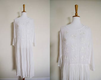Vintage 1980's WD2 by Diamond White Sheer Embroidered Long Sleeve Maxi Dress / Formal Dress/ Casual Wedding Dress / Bridal Shower