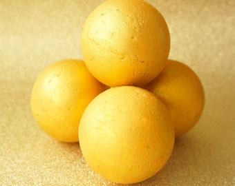 Gold bath bomb, glitter bath bomb, honey and orange flavour, luxury bath bomb, el dorado, mythical bath bomb
