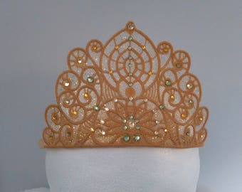 Free standing Lace Anniversary (Golden)