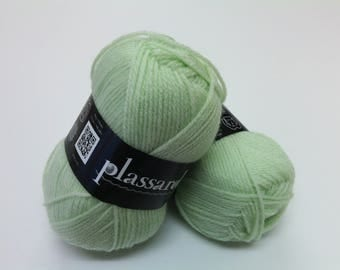 "Wool plassard ""Winner"" pale green"