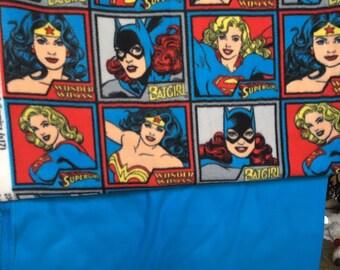 Ladies of DC Fleece Blanket/ Supergirl / Wonder Woman / Batgirl / DC comics