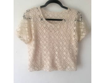 Cropped Blouse/ Crop Top/ Crochet Shirt/ Crochet Blouse/ Off White Blouse/ Cropped T Shirt/ 80s Shirt