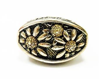 Very Pretty Sterling Silver & 18K Yellow Gold Flower Ring