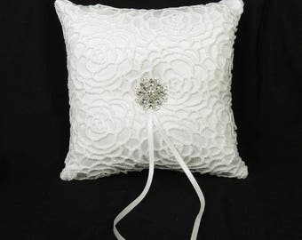 White lace ring pillow...20cm x 20cm