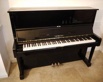 """Yamaha U1 48"""" Professional Vertical Upright piano"""