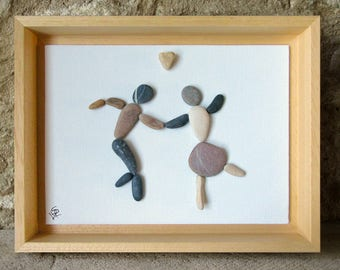 Pebble Art - Dancing Couple with Genuine Heart Shaped Pebble - Couple Gift - Romantic Gift - Housewarming Gift - St Valentine - 18x24 cm