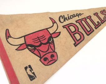 RARE flag Chicago Bulls from the 70's in superb condition.