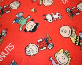Peanuts Fleece Fabric Dog Fleece Fabric Dog blanket Charlie Brown Linus Lucy prints  fleece fabric free shipping available - SHIPS FAST F573