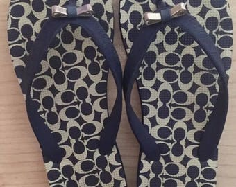 Coach navy blue thongs / flip flops with silver bow detail