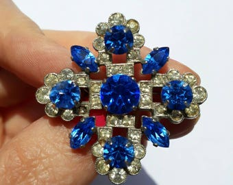 Superb 1950s sparkly diamante paste glass beooch blue and white retro vintage pin late Art Deco