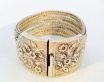 110gr XL Solid sterling silver wide bracelet with decorated lock
