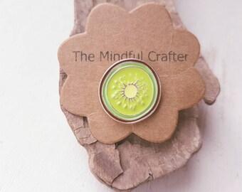 Kiwi brooch badge. Kiwi fruit jewellery. Kiwi food accessory. Kitsch Hawaii kawaii green kiwi jewellery