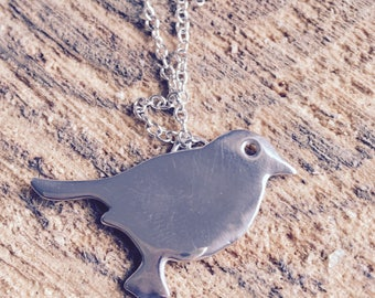 Bird pendent necklace