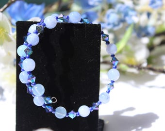 Memory wire bracelet, blue beaded memory wire bracelet