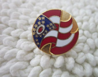 Pinback Enameled Stylized U S Flag Pin