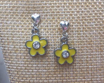 Silver dangle yellow flower earrings with rhinestone in the center for little girls on heart posts