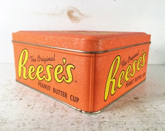Reese's Vintage Farmhouse Kitchen Collectible Tin/Shabby Chic Candy Tin with Lid/Collectible Reese's Peanut Butter Cup Candy Decorative Tin