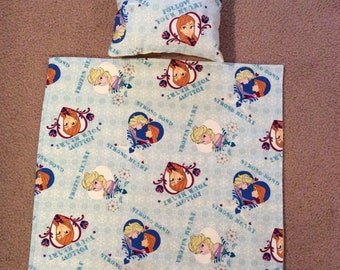 Doll Blanket and Pillow. Fits up to 18Inch dolls such as American Girl dolls and many more.