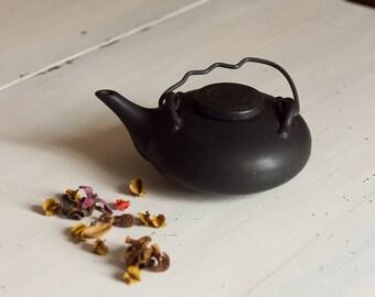 Black ceramic Vintage teapot, teapot old gifts for women, home decor.