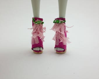 Monster High, Ever After High doll Pink and Cream shoes