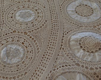 LARGE TABLECLOTH VINTAGE