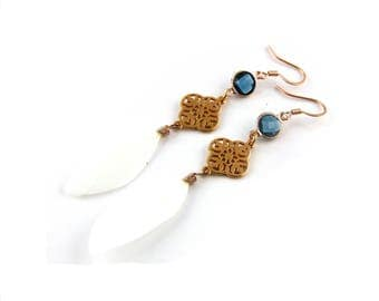 Earrings rose gold crystal blue with white feathers