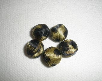 Set five fabric beads