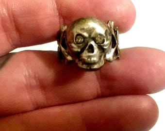 Antique skull crossbones Victorian Memento Mori red paste Eyes Ring